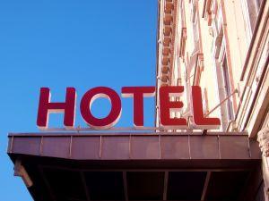 hotel-680918-m